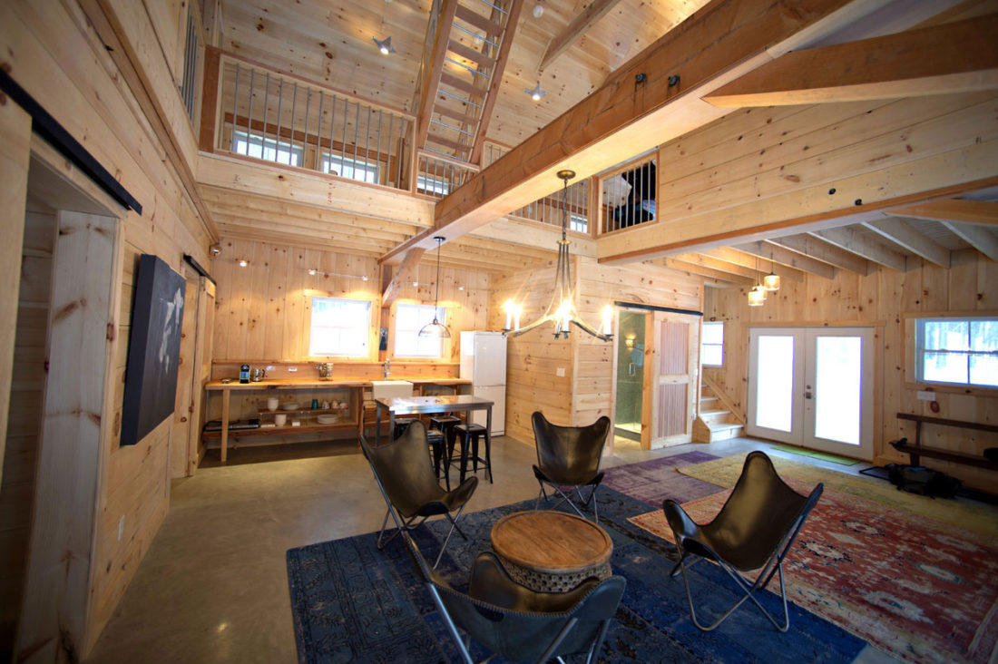 Geobarns: Rustic Ski Guesthouse, Vermont